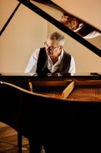 Bart Piano HR